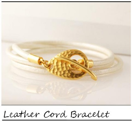 Lucky Horn_White metallic leather cord wrap braclet