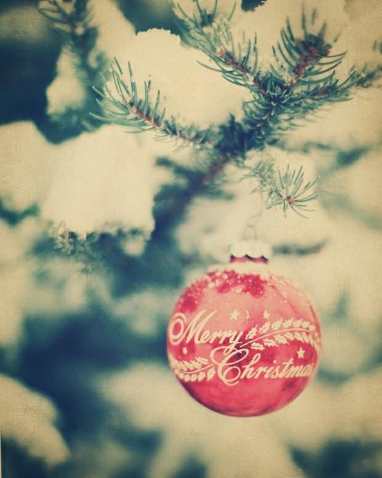 merry-christmas-ornament-tree