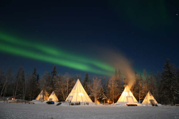 northern-lights-teepees-yellowknife-3