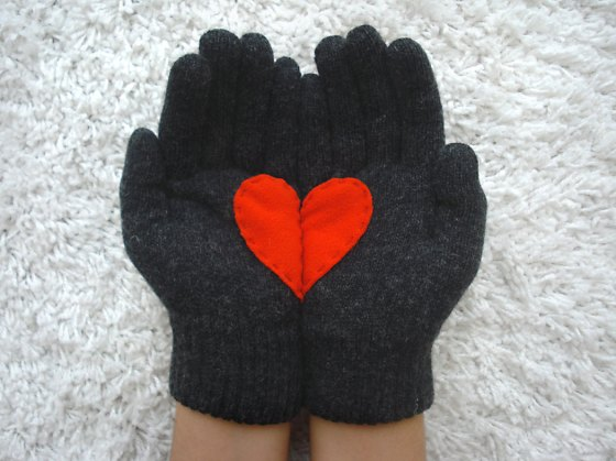 heart-gloves-etsy